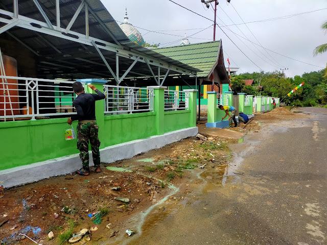Pembangunan pagar Masjid TMMD ke-110 Kodim 1008/Tanjung Capai 97 persen mendekati rampung
