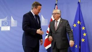 Todas las familias felices se parecen, pero Europa se está convirtiendo en una de esas familias desdichadas de Tolstoi, en la que cada uno es un poco a su manera y ya ni siquiera son impensables los divorcios. Los Veintisiete dieron ayer una acogida distante a David Cameron en su última noche europea, sin ahorrarse algún gesto de hostilidad. Los mercados aflojaron por primera vez desde que 17 millones de británicos votaron a favor de salir de la UE. A cambio, la presión política va en aumento: la Eurocámara montó una bronca monumental por el Brexit, y los dirigentes europeos no se ahorraron una escenografía marcada por la tensión en la cumbre.