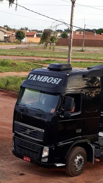 Caminhão carregado de soja é roubado na BR 242