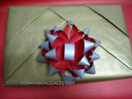 Paquete con plisado de papel