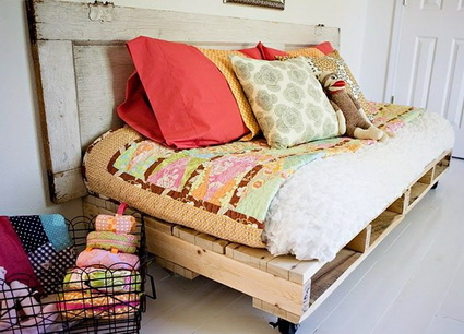 Beds Made With Wooden Pallets 4