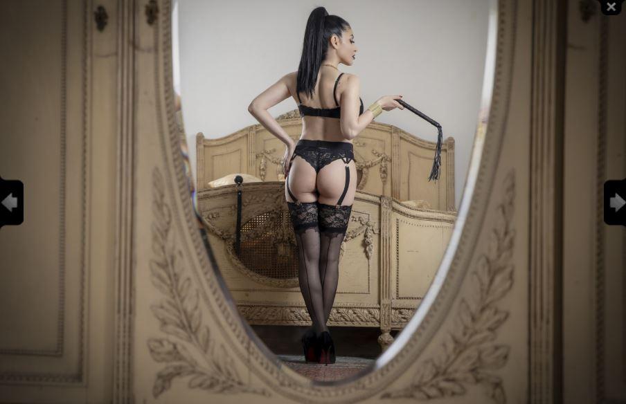 https://pvt.sexy/models/1d3o-goddessgiselle/?click_hash=85d139ede911451.25793884&type=member