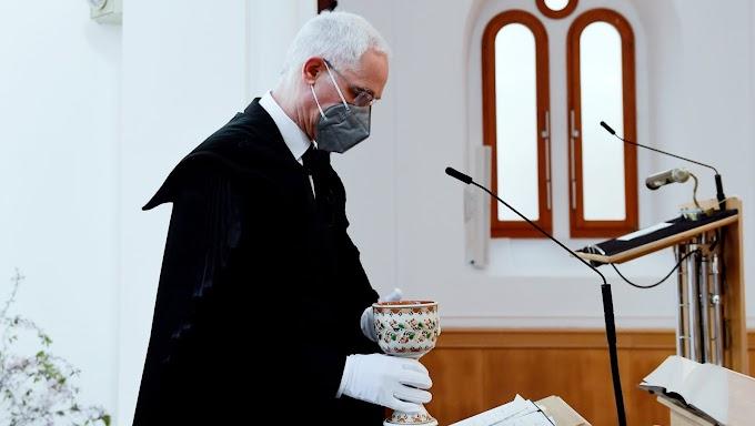 Május 2-án kinyitnák a református templomokat