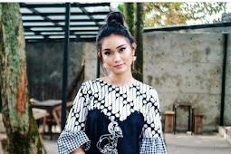 28+ Trend Model Baju Atasan Batik Kombinasi Polos Desain Terbaru