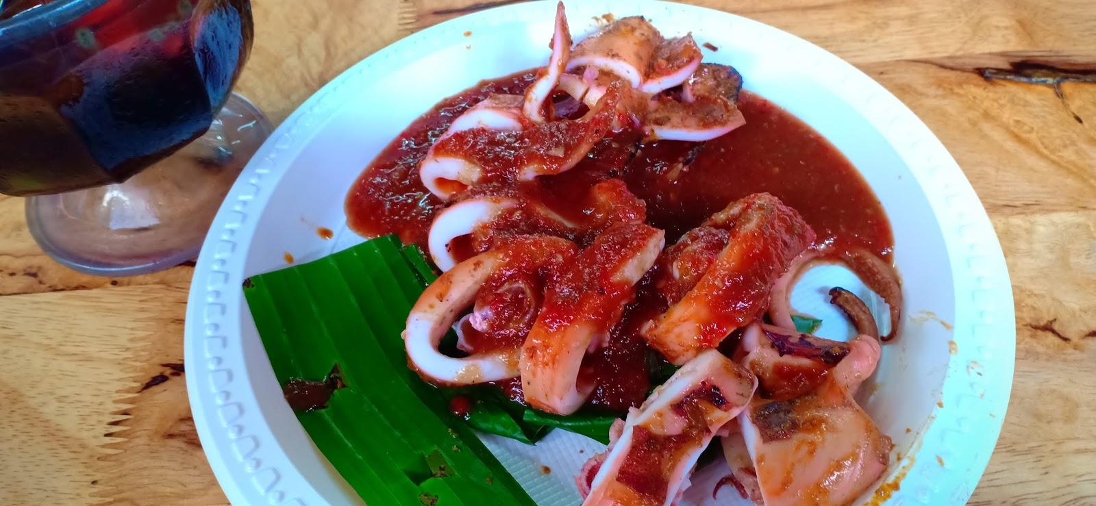 Makan Ikan dan Sotong Bakar Jalan Bellamy / Jalan Istana