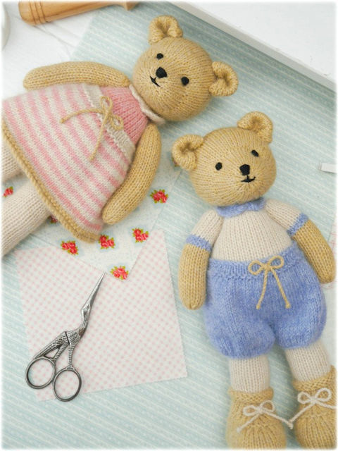 Free Chunky Knit Patterns : Mary Janes TEAROOM: A Little Bear Knitting...