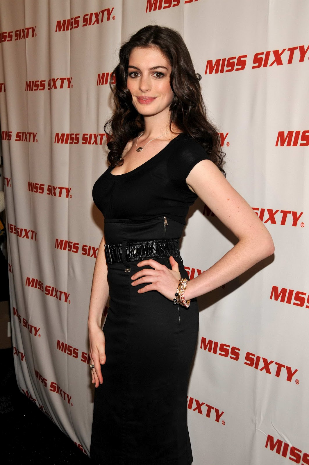 Anne Hathaway Pictures Gallery 20  Film Actresses-8075