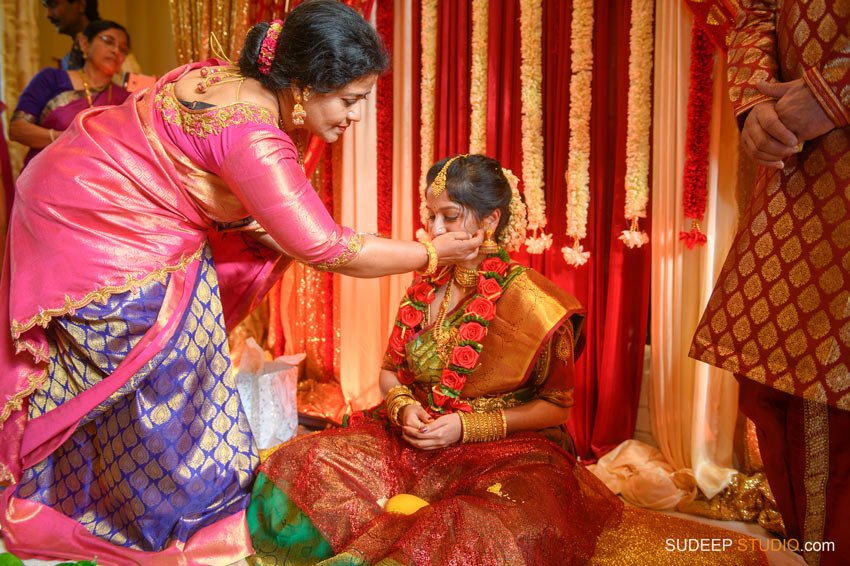 Traditional South Asian Indian Wedding Photography Farmington Hills Michigan by SudeepStudio.com Ann Arbor Indian Wedding Photographer