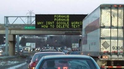 Dumme Menschen Arbeit Autobahn Meldung witzig