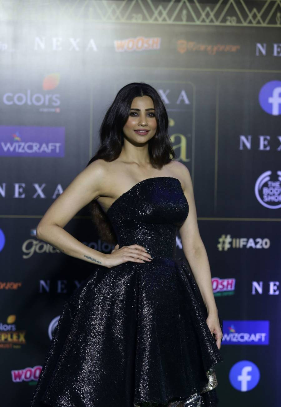 Indian Model Daisy Shah At Green Carpet Of IIFA Awards