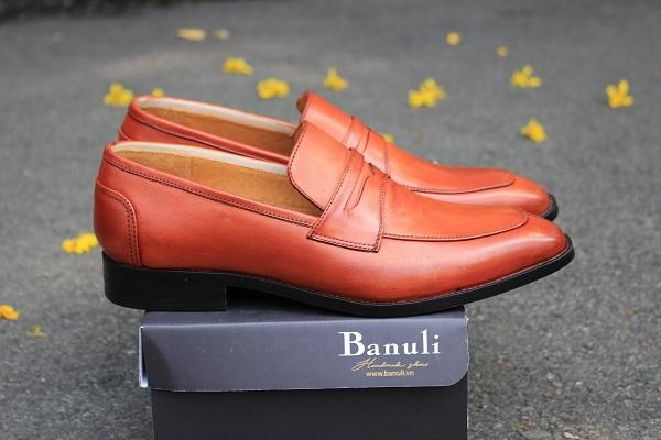 Các mẫu giày da nam công sở không bao giờ lỗi mốt cho các chàng