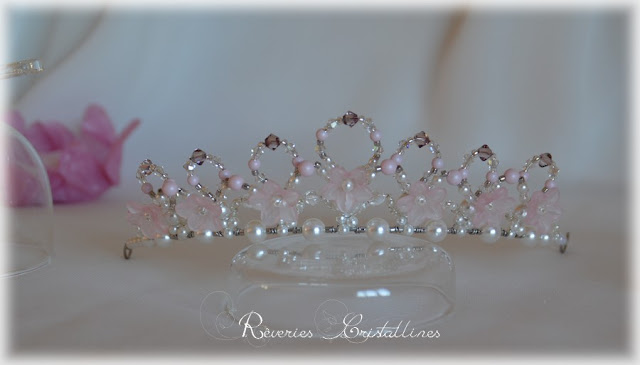 diademe ou couronne rose en cristal