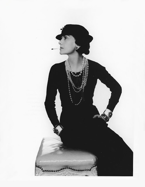 Gabrielle Chanel photographiée par Man Ray 1935 in SEARCH MY HOME IN PARIS BLOG