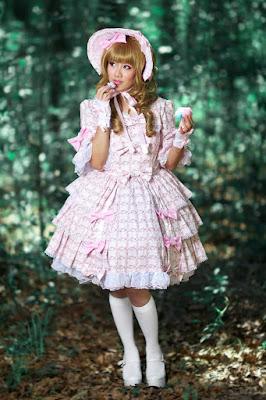 8 Cewek Hijab Pakai Dress Lolita size