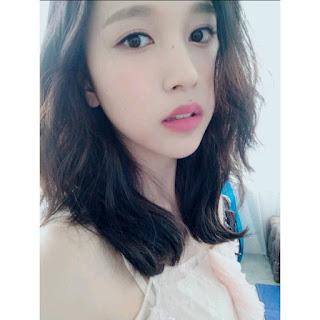 Foto Selfie Mina Twice - Mina Selca Photo