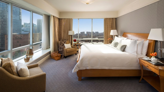 A sophisticated oasis above the city, Four Seasons Hotel San Francisco gives you the ideal SoMa location – steps from the Financial District and Union Square shopping.