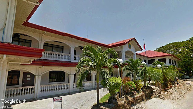 The Calatagan, Batangas Municipal Hall.  Image source:  Google Earth Street View.