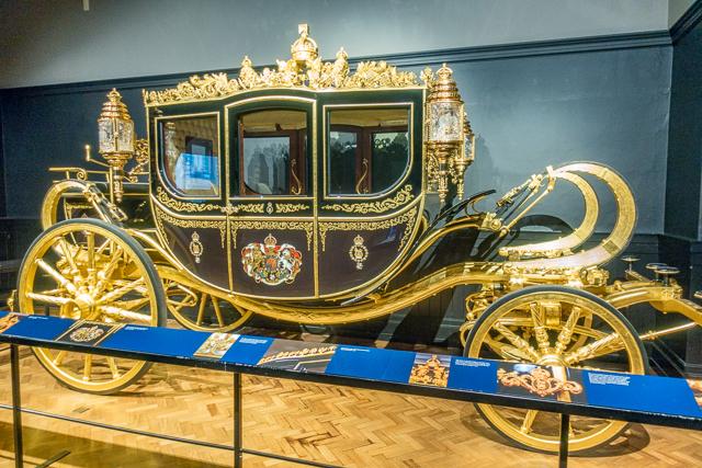 Diamond Jubilee State Coach - Royal Mews - Buckingham Palace - London, England
