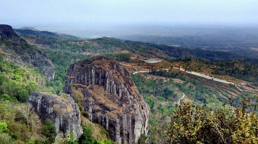 Lokasi dan Area Camping Ground Paling Keren Di Wilayah Jogja dan Sekitarnya Gunung Apri Purba Ngelanggeran