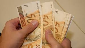 Governo propõe salário mínimo de R$ 1.039 em 2020; valor abaixo da última projeção