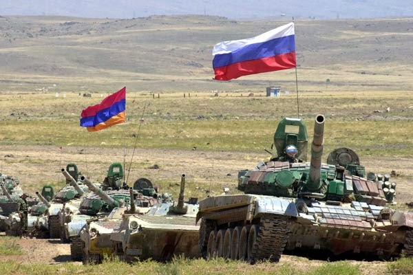 Militar ruso compañero y se suicida en Armenia