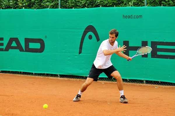Tennis Lapangan - Pelangi Blog