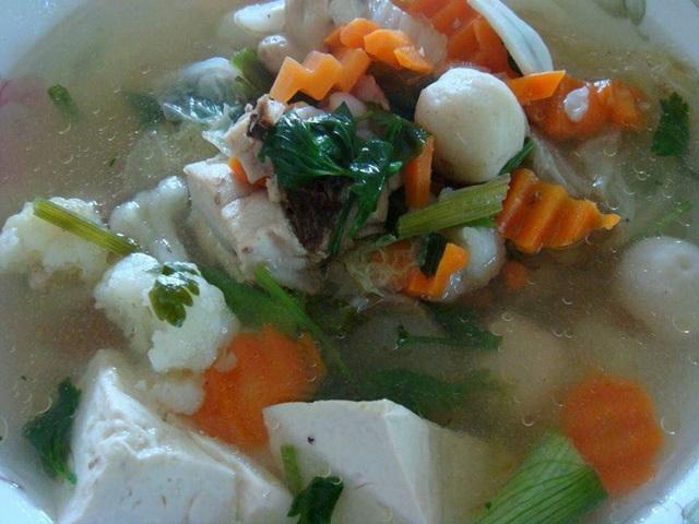Sup Fishball Sayuran