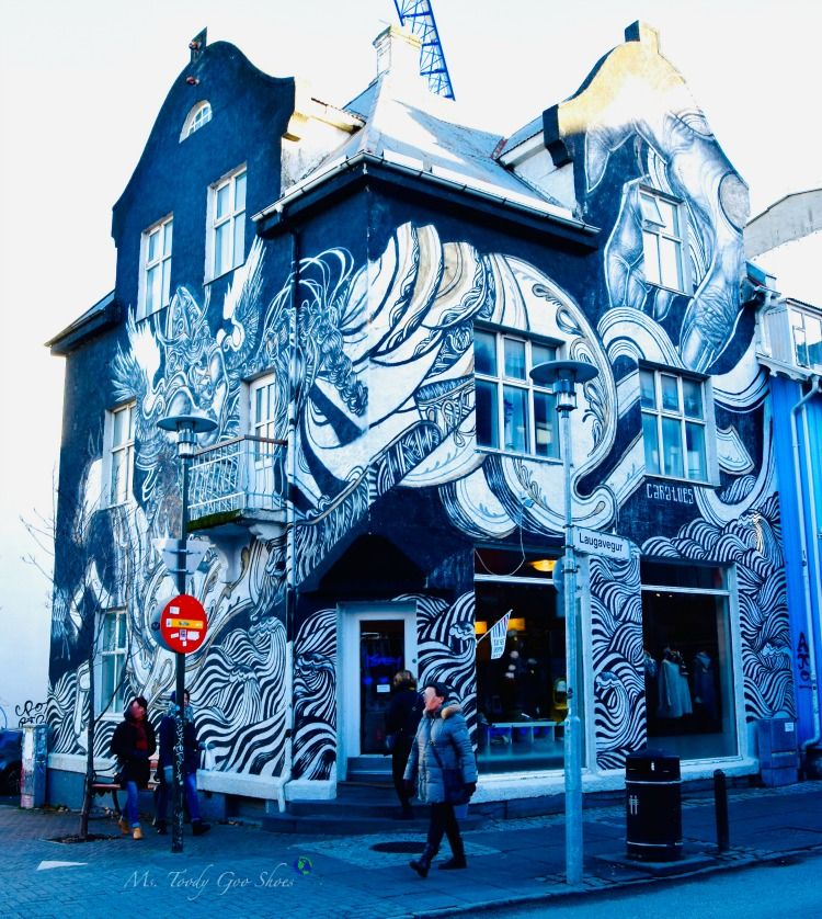 Are you seduced by a charming storefront? This one is in Reykjavik, Iceland | Ms. Toody Goo Shoes