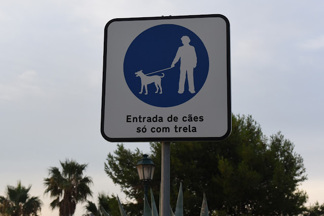 Dog signs, dogs on lead,