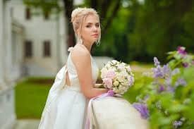 كيف اكون جميلة ومميزة عند الزفاف
