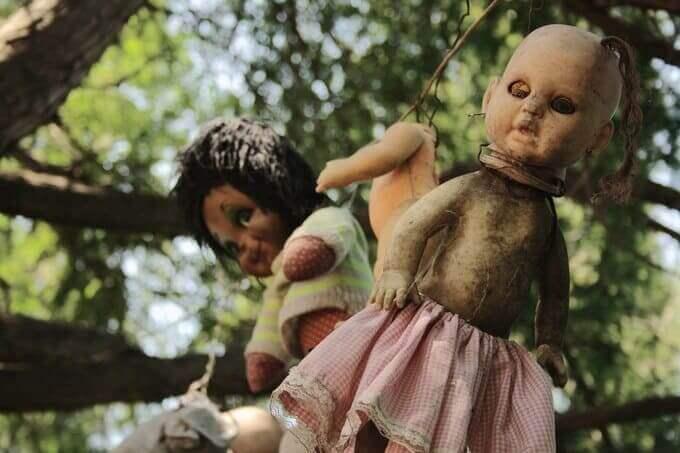 Island of Dolls