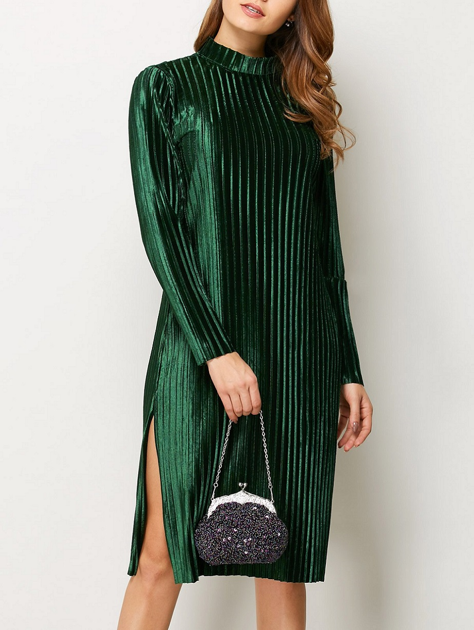 http://www.zaful.com/long-sleeve-pleated-pleuche-dress-p_253552.html