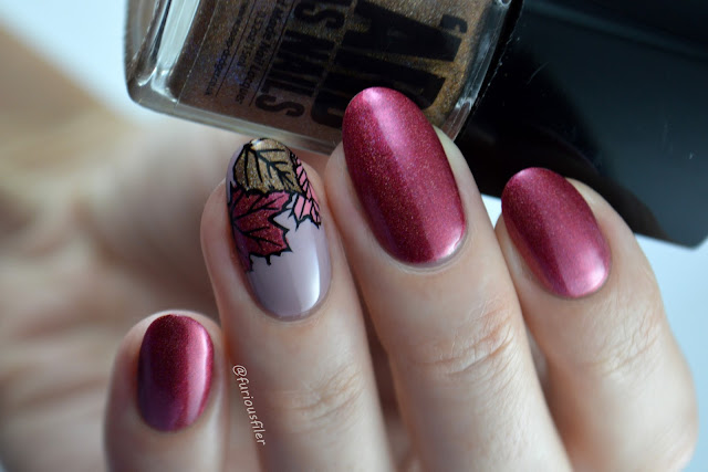 autumn nails leaves accent nails holographicholo polish