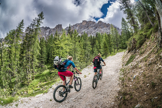 Mountainbike Tour Dolomiten: Cresta Bianca, 2932 m / Monte Cristallo