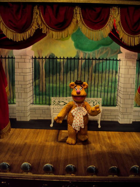 http://lancecardinal.blogspot.ca/2011/10/custom-painted-palisades-muppet-show.html
