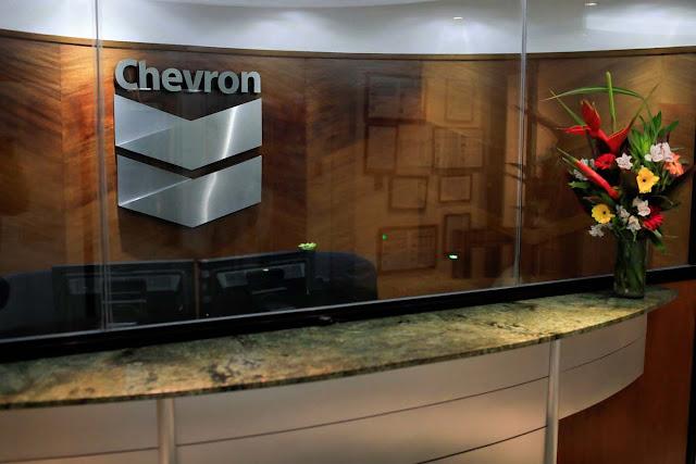 Chevron traslada a jefe de Brasil para dirigir operaciones en Venezuela, según Reuters