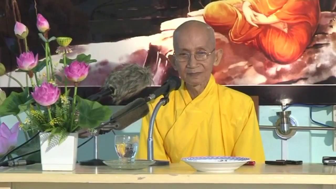 Đức Trưởng lão Thích Thông Lạc dạy về con đường tu của đạo Phật là con đường trí tuệ, tức là triển khai tri kiến của mình để giải thoát.