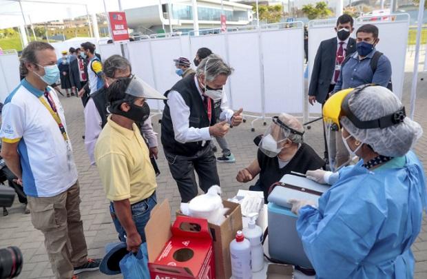 Presidente Sagasti: próximo gobierno contará con dosis para proseguir con vacunación