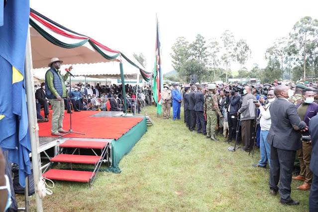 Raila Odinga in Kisii with President Uhuru Kenyatta