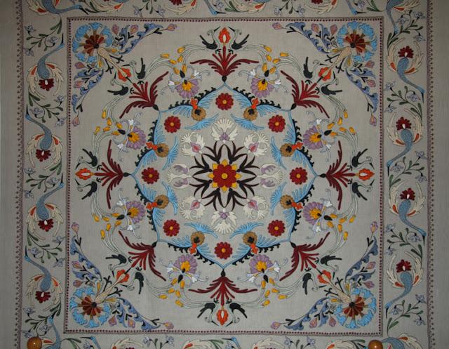 Ouzbékistan, Tachkent, Musée des Arts décoratifs, broderie, soie, © L. Gigout, 2012