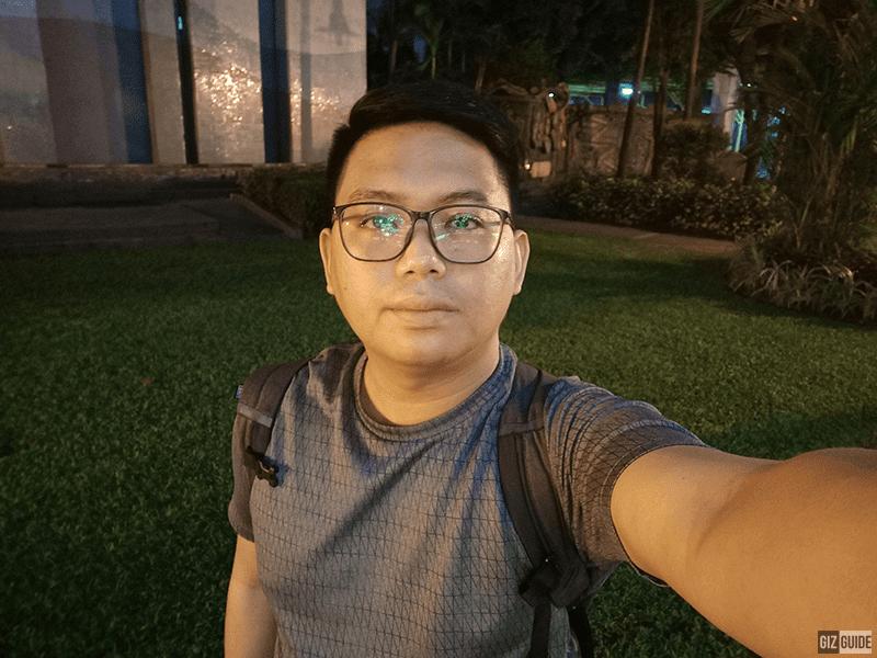S1 selfie low light