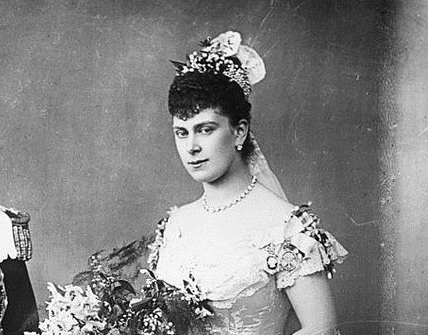 Queen Mary S Collingwood Fringe Tiara
