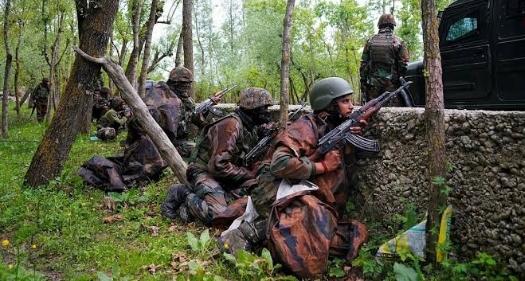 কাশ্মীরের 2 জায়গায় জঙ্গীদের সাথে নিরাপত্তা বাহিনীর এনকাউনটার