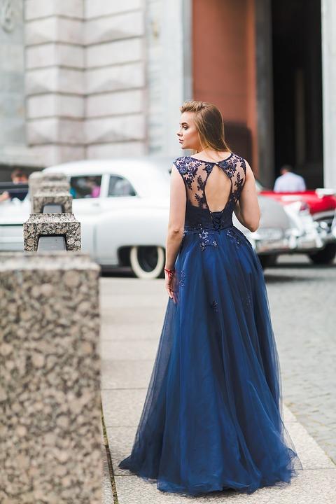 sukienka na wesele 2019