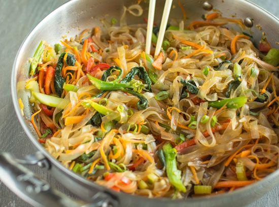 Keto Beef Spinach and Shirataki Noodles Stir Fry #healthyrecipe #dinnerhealthy #ketorecipe #diet #salad