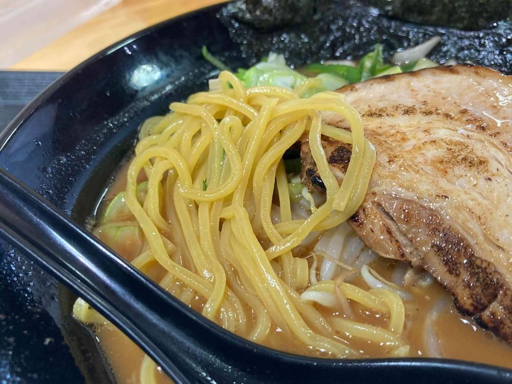 軍配山ラーメンの麺が美味しい!