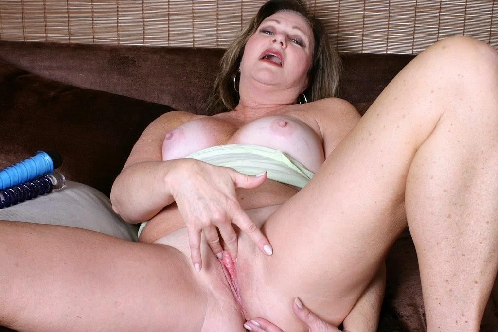 Lesbian milf threesome porn