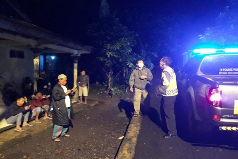 Polres Purbalingga Respon Aduan Warga dengan Adanya Teror Hantu Pocong yang Meresahkan