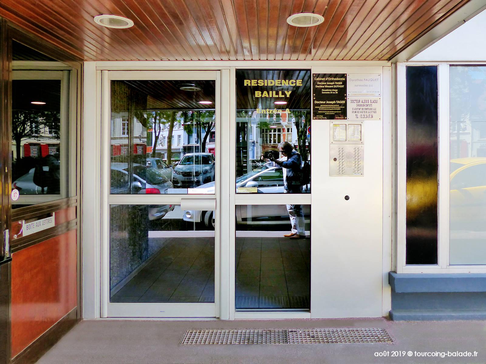 Porte d'entrée de la Résidence Bailly, Tourcoing 2019