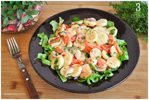 salada de banana com tomate